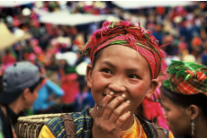 Hmong girl at Meo Vac market