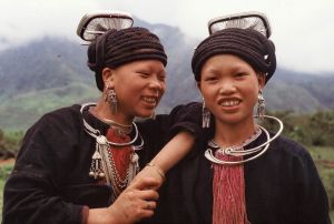 Dao Tien hilltribe girls